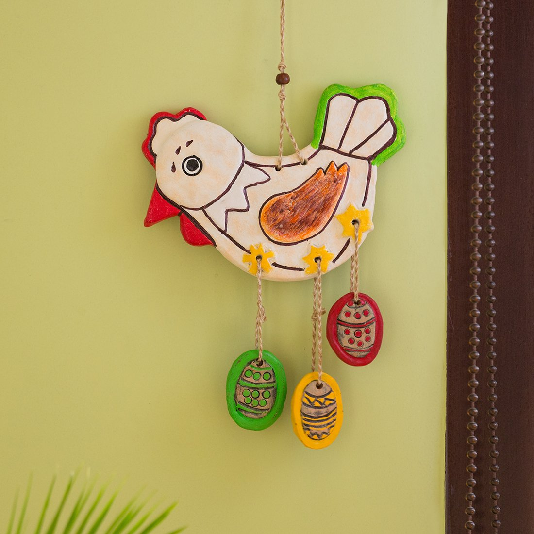 Moorni Caring Hen Handmade & Hand-Painted Garden Decorative Wall Hanging In Terracotta
