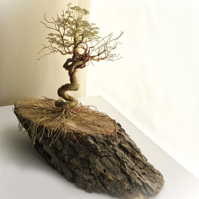 Handmade Twisting Natural Wood Tree (Gold/Brown)
