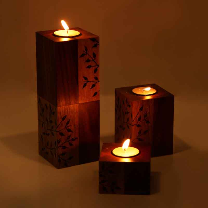 Moorni Standing Table Tea-Light Holders with Elegant Floral Design