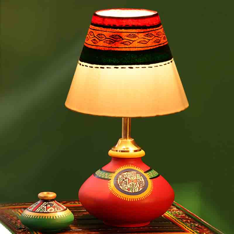 Moorni 11 Inch Terracotta Handpainted Warli Flat Lamp in Red