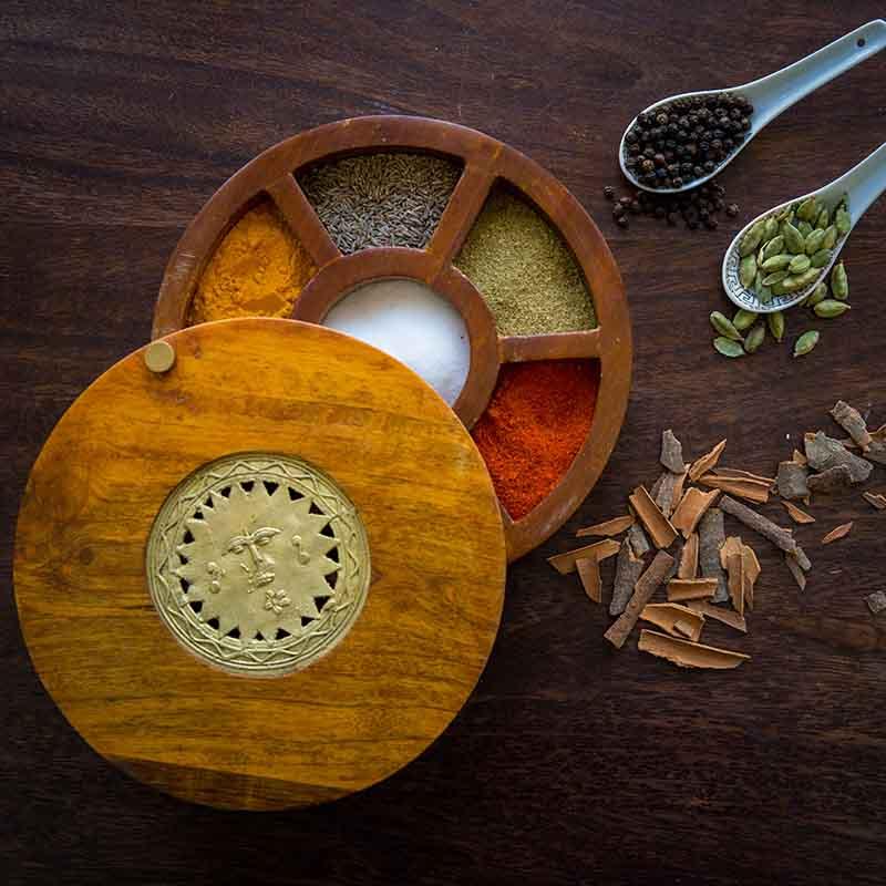 Olha-o Spice Serve-ware Box with Seven Compartments