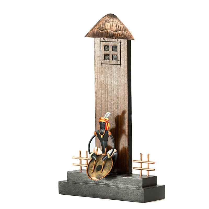 Olha-o Hut Shaped Trophy