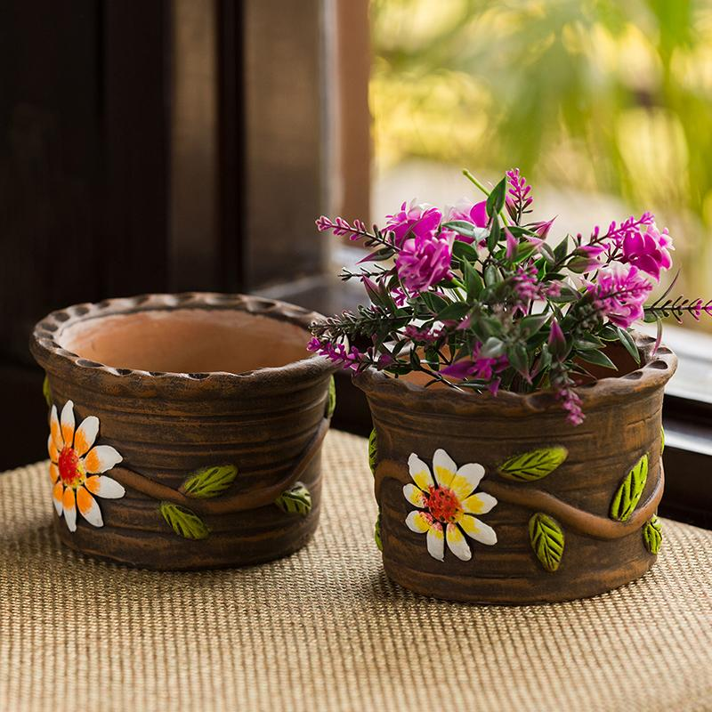 Moorni Mud Blossom Pair Handmade & Hand-painted Planter Pots In Terracotta (4 Inch, Set of 2)