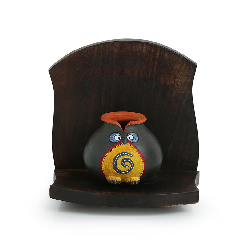 Moorni Terracotta Owl Face Pot With Wooden Wall Shelf