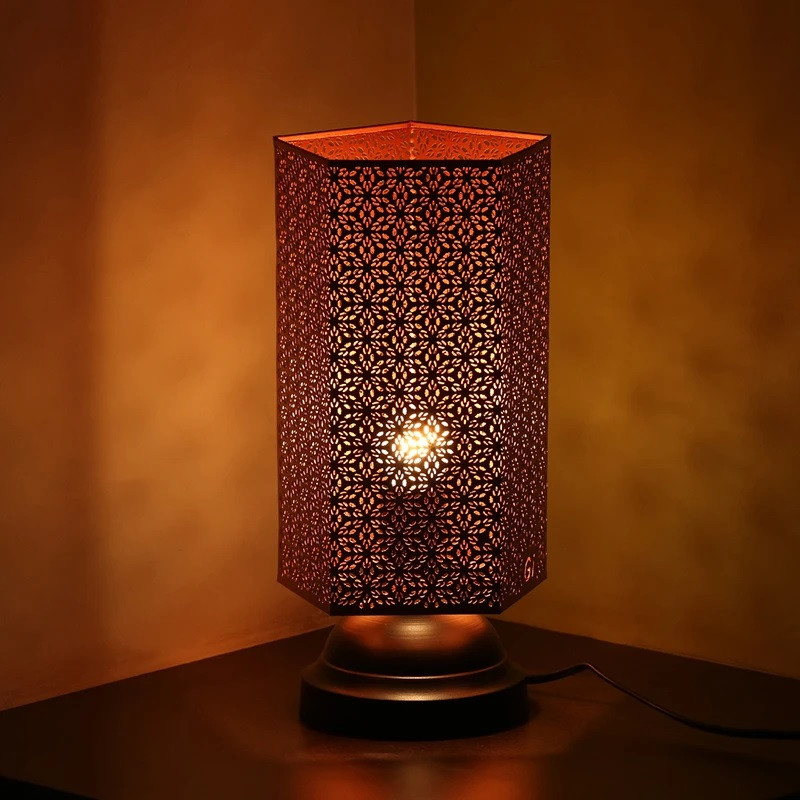 Moorni Moroccan Shimmer Hand Etched Iron Table Lamp (13 Inch, Copper)