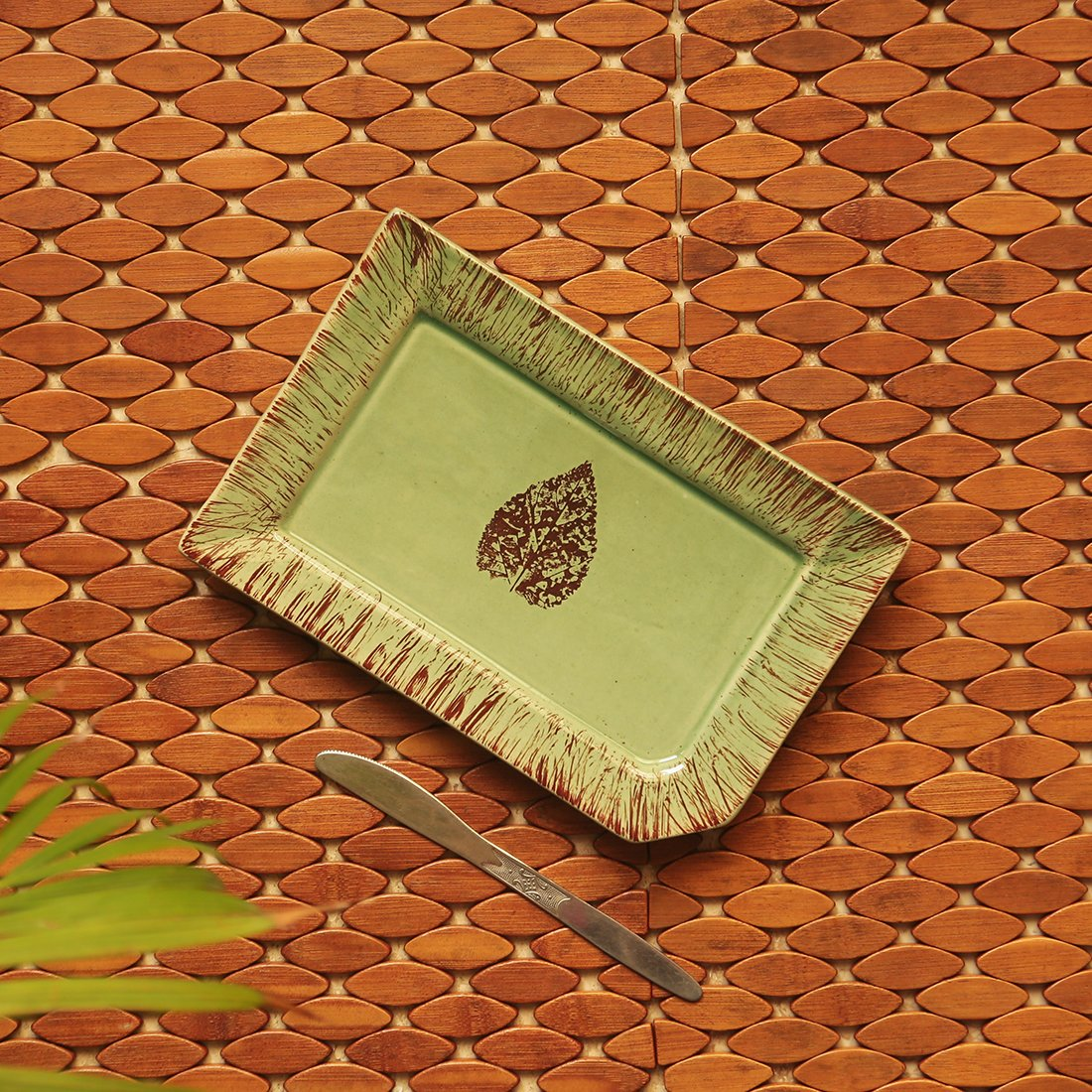 Moorni Banyan Leaves Hand-painted Studio Pottery Serving Platter In Ceramic (Microwave Safe)