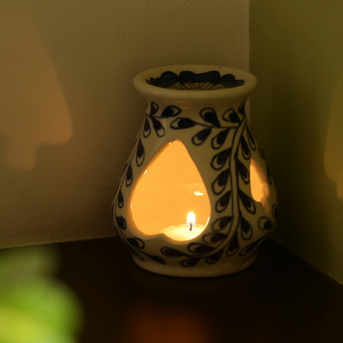Moorni The Blooming Aromas Mughal Hand-Painted Ink Blue Ceramic Aroma Diffuser