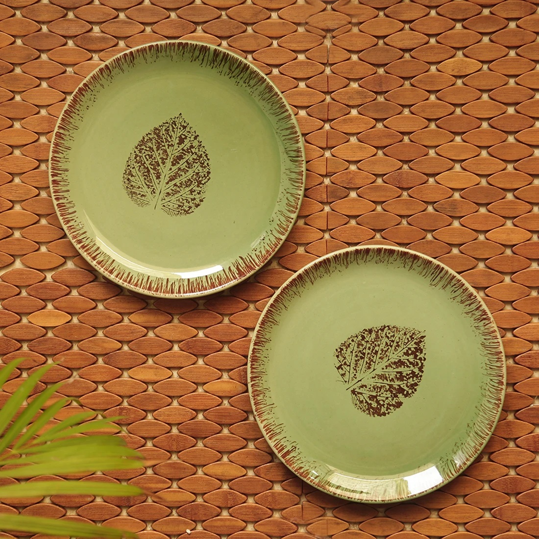 Moorni Banyan Leaves Hand-painted Studio Pottery Dinner Plates In Ceramic (Set of 2, Microwave Safe)