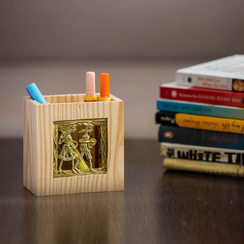 Olha-o Tribe Pine Wood Pen Stand Small