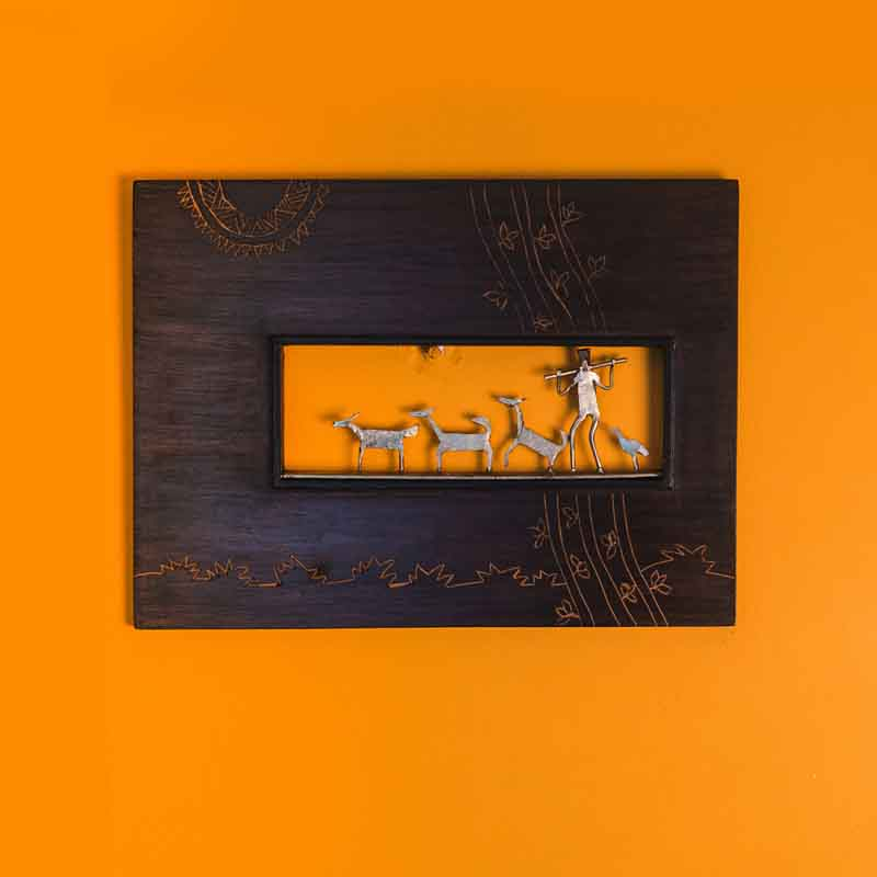 Olha-o Tribe Wooden Frame with Tribal Figurines