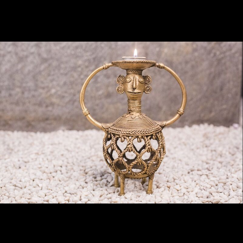 Madir Round Candle Holder in Dhokra Work