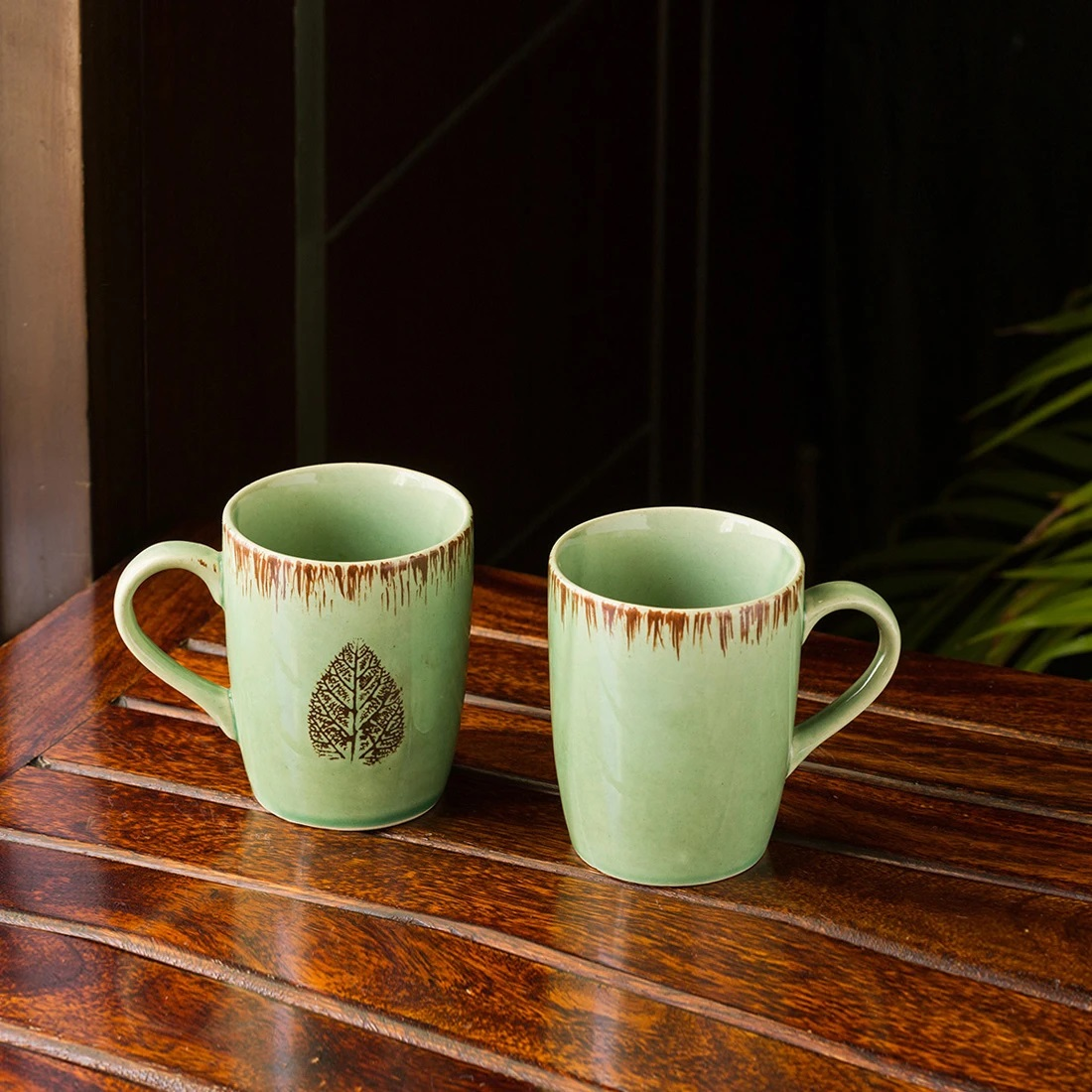 Moorni Banyan Leaves Hand-painted Studio Pottery Tea & Coffee Mugs In Ceramic (Set of 2, Microwave Safe)