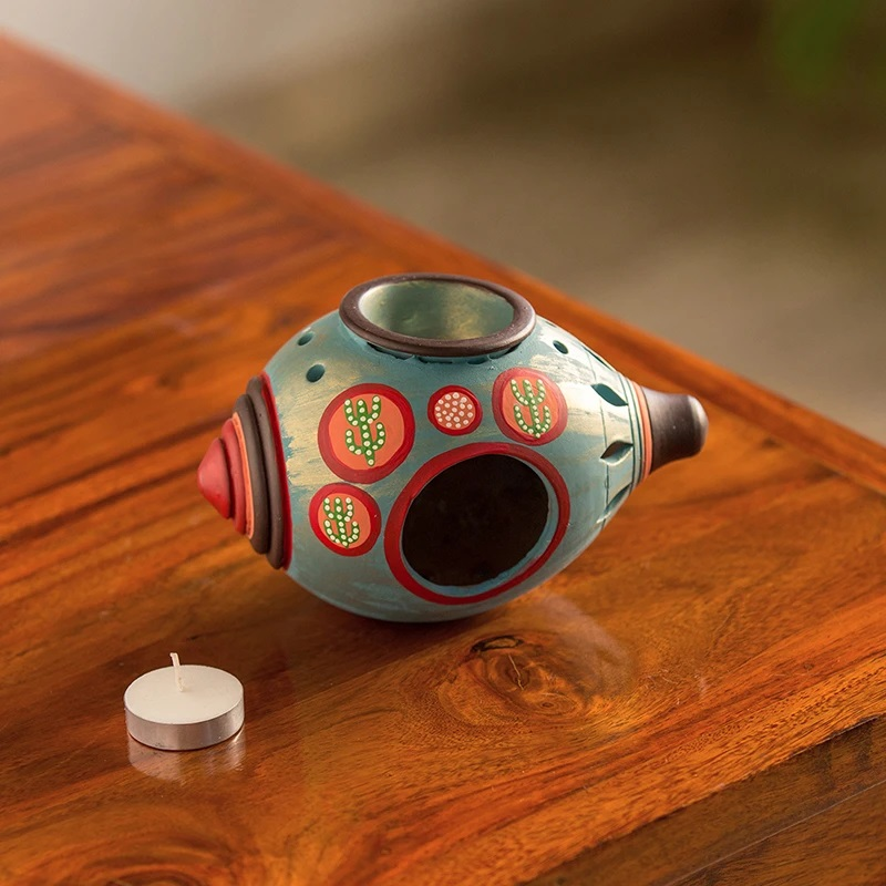 Moorni Oasis Shankh Hand-Painted Aroma Diffuser In Terracotta (Turquoise Blue)
