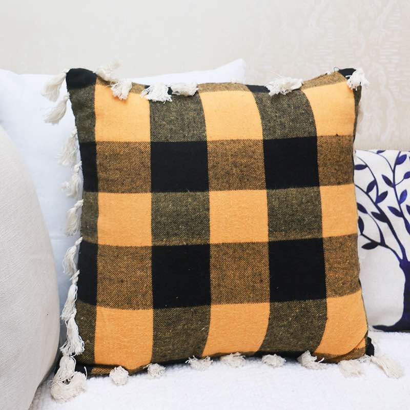 Moorni Cotton Woven Check Cushion With Tussels -TT-3279
